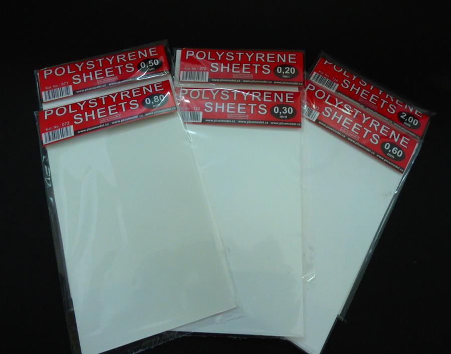 Plastikové destičky 0,8 mm