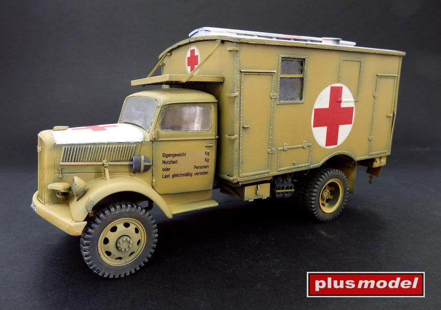 Opel Blitz 4x4 ambulance-1