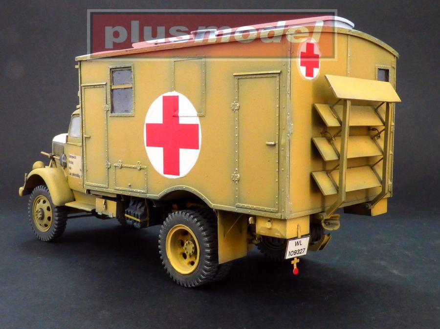 Opel Blitz 4x4 ambulance-2