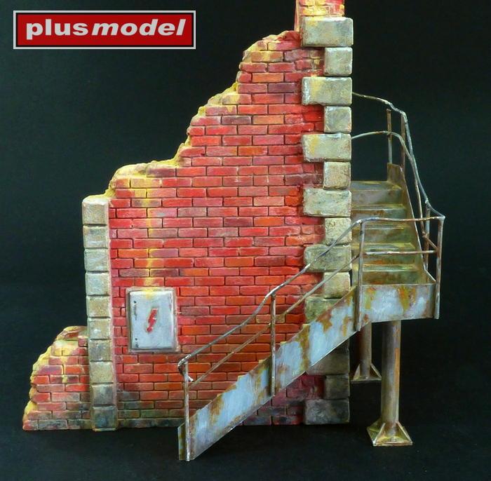 Tovární roh se schody-1
