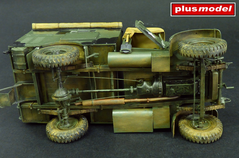 Morris CS8 se skříní Mk III-3