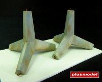 Protitankové betonové zátarasy-ježci